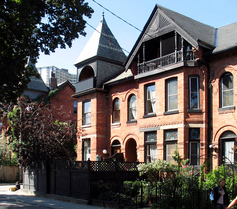 Apartments For Rent Toronto: Should You Buy Or Rent A House?