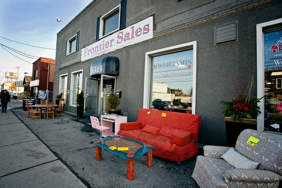 Second hand furniture stores in toronto frontier sales for Furniture warehouse near me