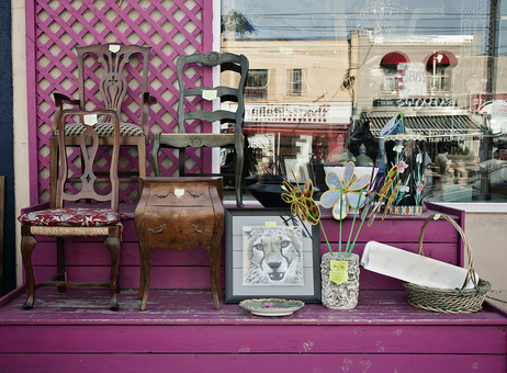Second Hand Furniture and Decorations