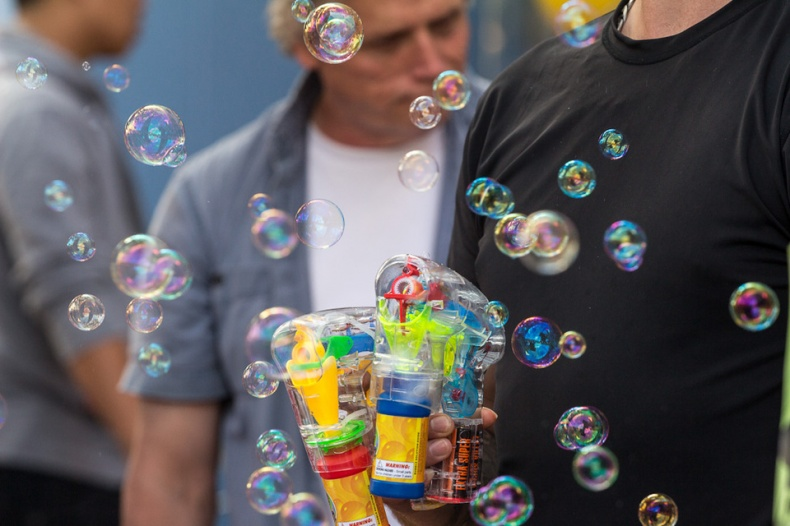 Colourful bubble maker