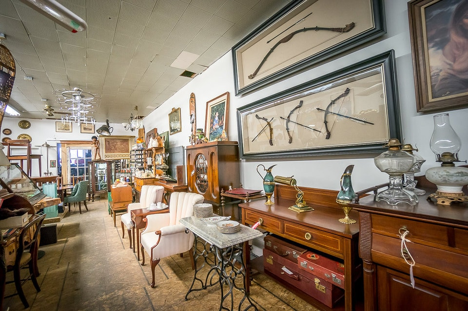 Vintage furniture stores in toronto 1698 queen antiques - Used living room furniture toronto ...
