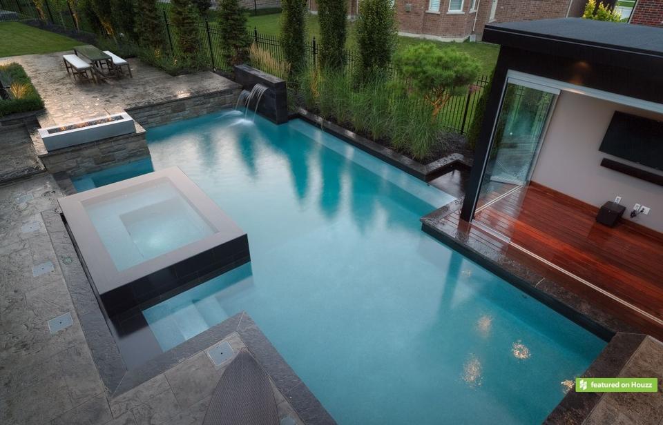 Best swimming pool builders in toronto for Best pool builders