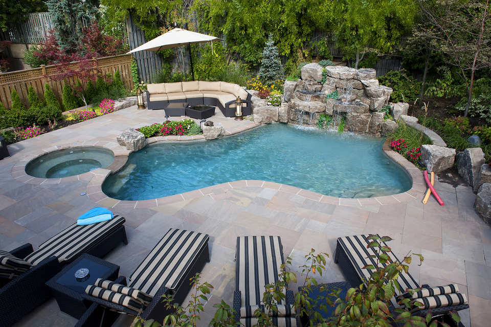 Best swimming pool builders in toronto for Top pool builders