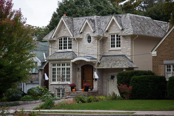 leaside home