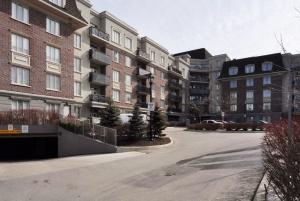 245 Dalesford Road #421 - Toronto - Queensway