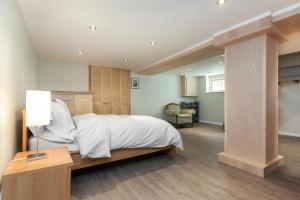 basement-bedroom3