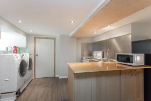 basement-kitchen2