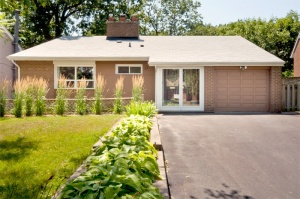 11 Saxony Crescent - West Toronto - Humber Heights