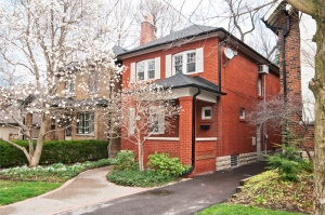 119 Eastbourne Avenue - Central Toronto - Chaplin Estates