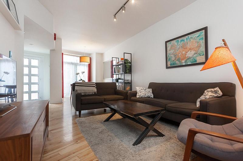 06 living room