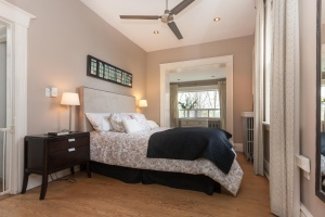 25-main-bedroom